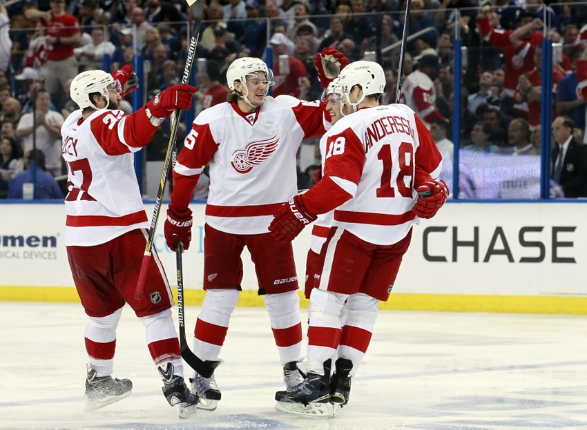 Apr 16, 2015; Tampa, FL, USA; Detroit Red Wings Right Wing Luke Glendening  (41) Celebrates With Teammates After He Scored Against The Tampa Bay  Lightning ...